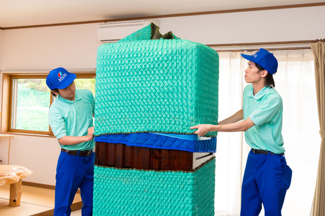 家具梱包専用資材にて大切なご家財を保護してからお運び致します。