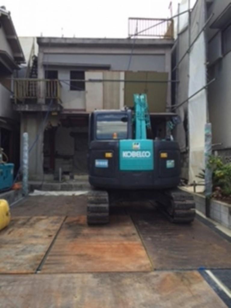 大和高田市解体工事現場(駐車場の養生)