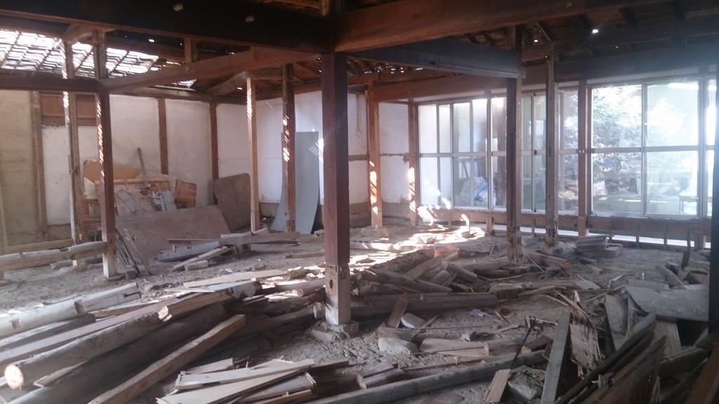 リフォームに伴う解体工事現場
