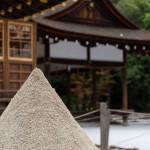 清めのお砂の撒き方