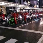 京都四条通りにサンタクロース出現?