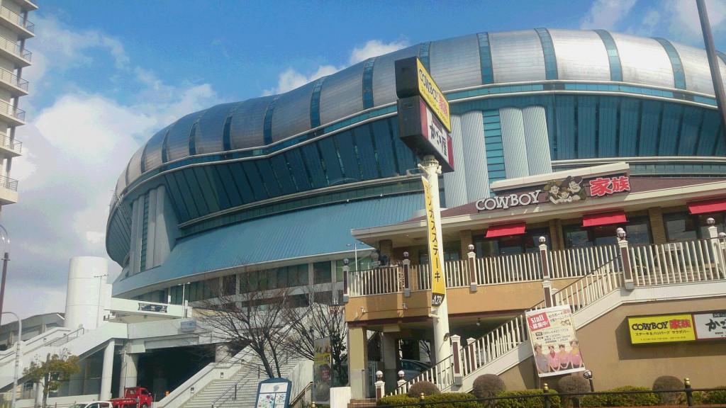 今日は大阪市内へ・・・
