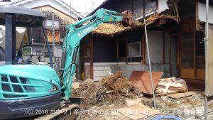 ほぼ軽自動車しか通れない場所のお引越しと解体 | その2 門屋の解体終了