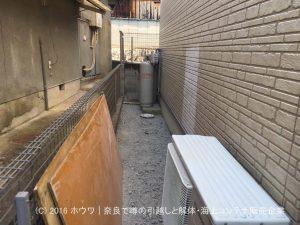 奈良市で犬走り | 砕石クラッシャーを敷きます