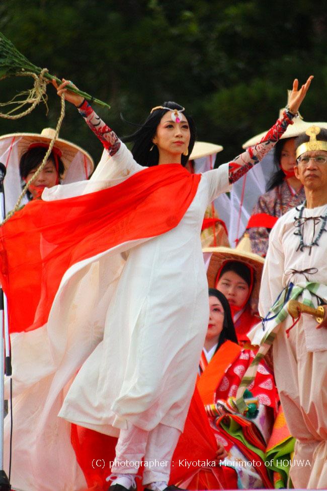 素晴らしき紀伊半島 | 熊野市 花の窟(はなのいわや) 錦の御幡献上行列