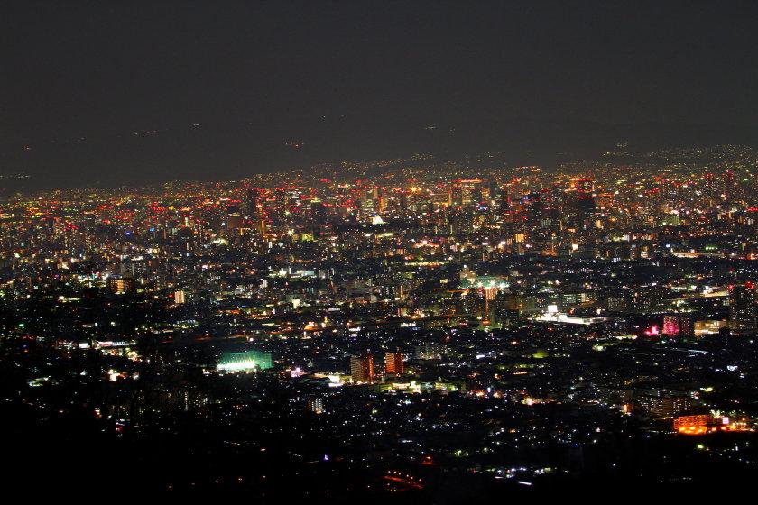 奈良からの夕夜景   大阪城と明石海峡大橋