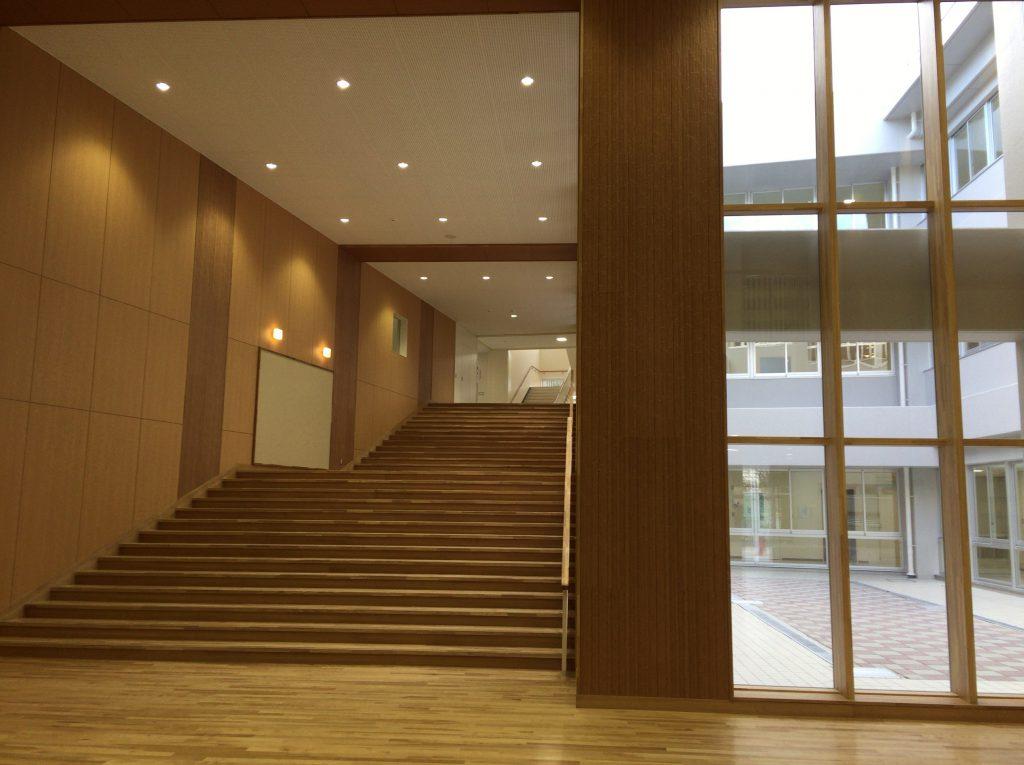 奈良県初!の太陽光発電・地中熱利用システム | 生駒北小中学校新校舎