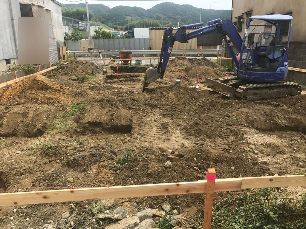 コンテナハウスの基礎工事