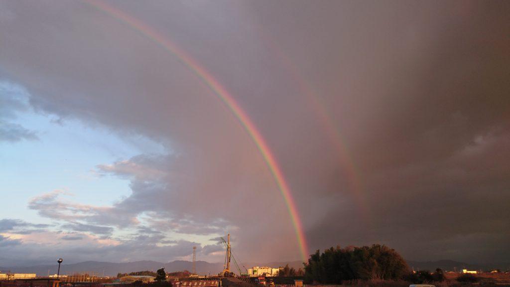 2列に並んだ虹発見|奈良県川西町