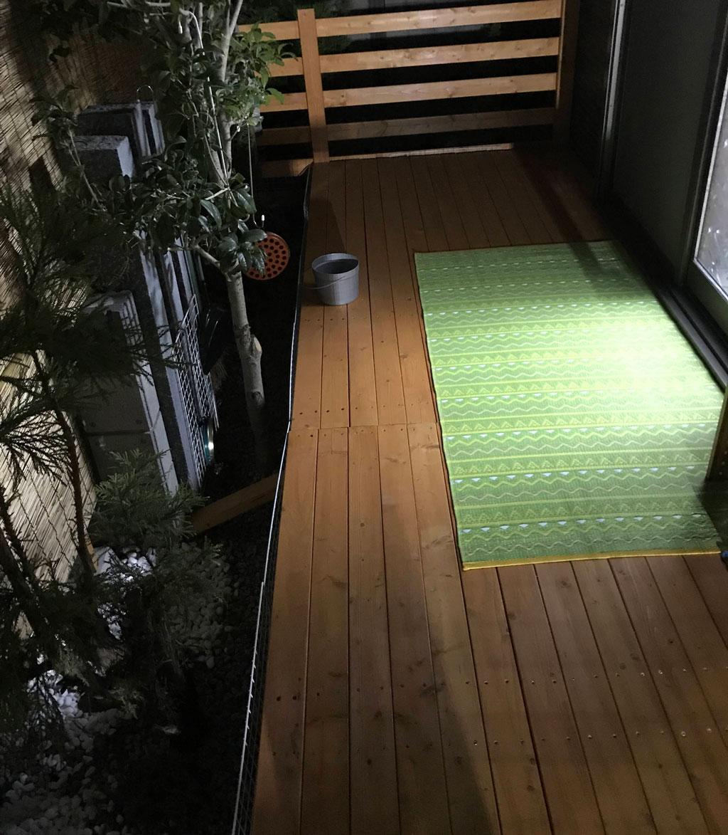 たった25,000円で出来た自作DIYウッドデッキ | アルミテラスとセットで年中快適空間&実用性◎