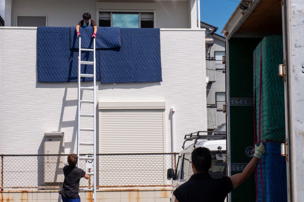 ご新築へお引越し。吊り作業は完璧に。