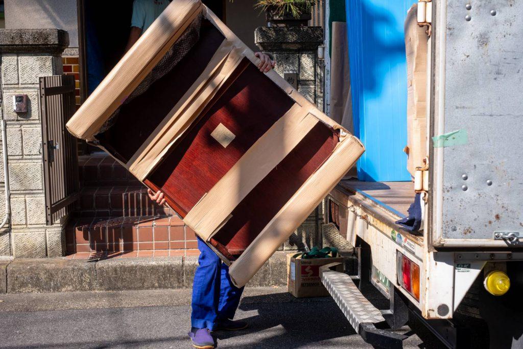 橿原市にてお建て替え 気合いの家具運搬6