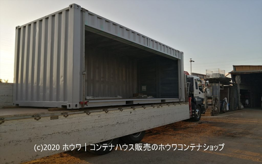 長尺物の保管庫に | 山口県で20フィート長手面シャッターコンテナを設置