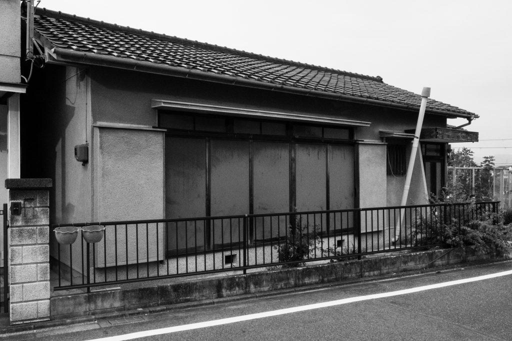 売却予定家屋内の不用品引取ー開始前①|奈良県斑鳩町