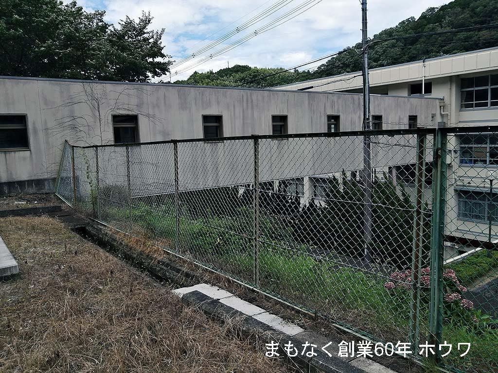 こちらが本校舎の3階と産振棟という校舎の1階を繋ぐ渡り廊下になっています。