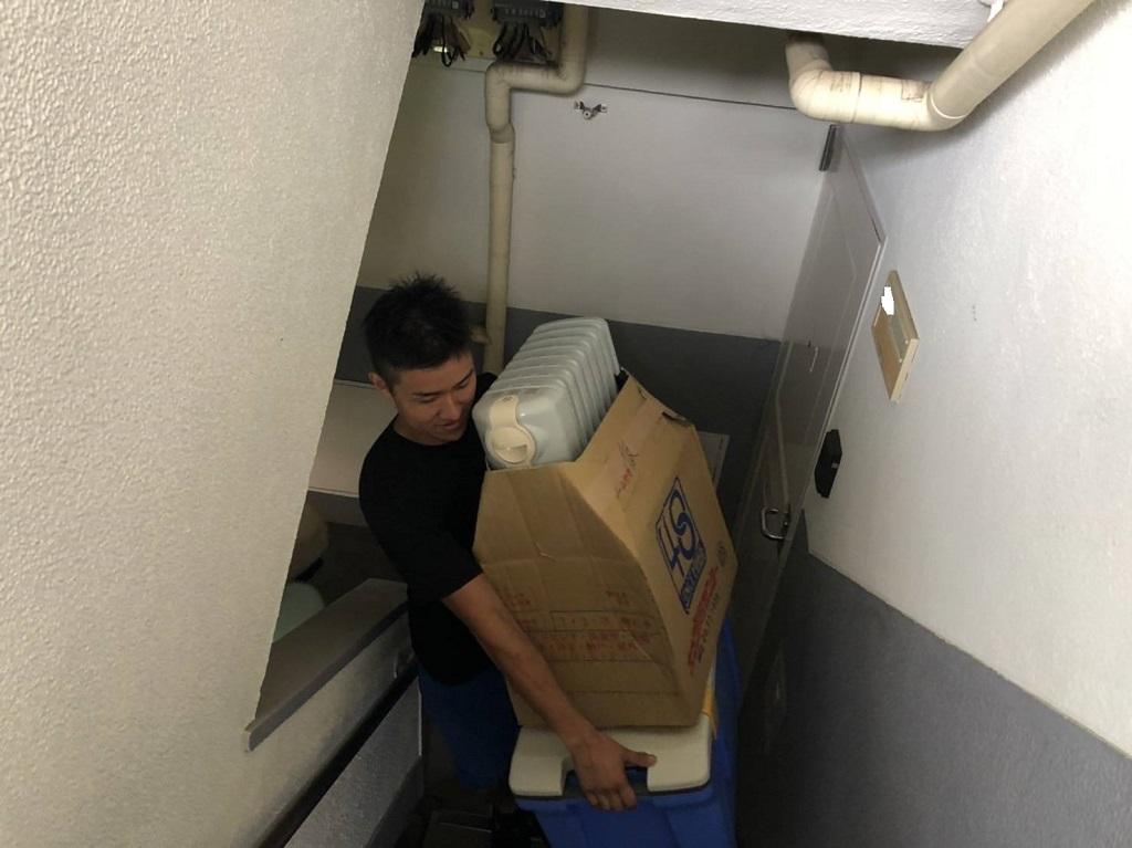 引き続き小物お荷物の搬入を致します。