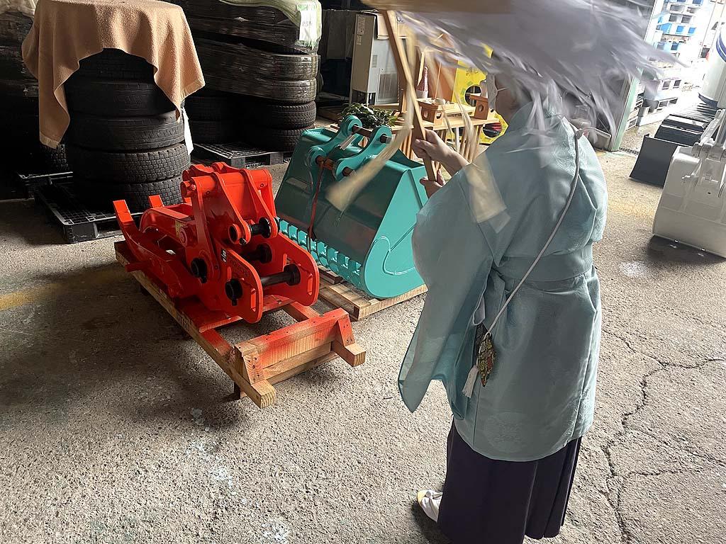 コベルコ建機(KOBELCO) SK75SRD解体仕様機を導入 | 安全祈願祭